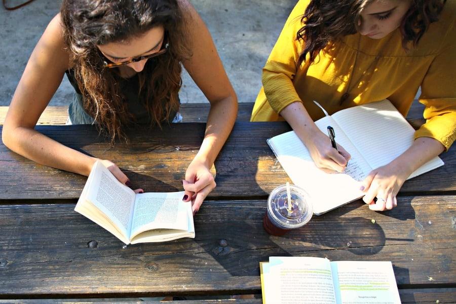 Bolsas de pós-graduação para mulheres nos EUA recebe inscrições