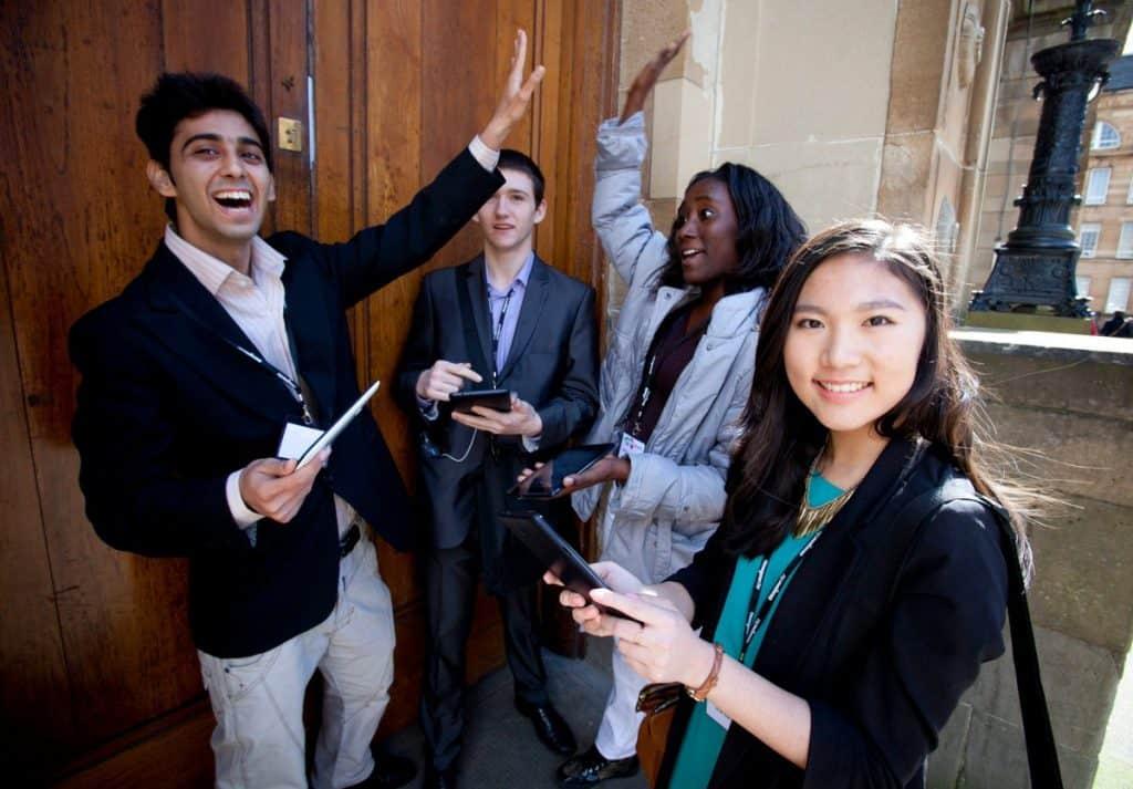 bolsa para estudantes de jornalismo no exterior future news partiu intercâmbio