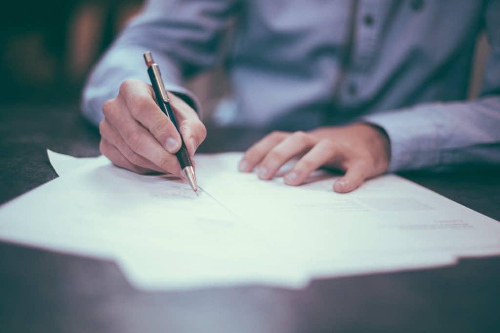 carta de recomendacao bolsa de estudos estudar no exterior partiu intercambio