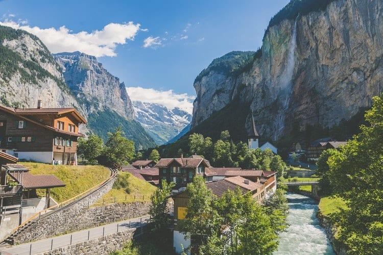 bolsas para mestrado na Suíça universidade de lausanne