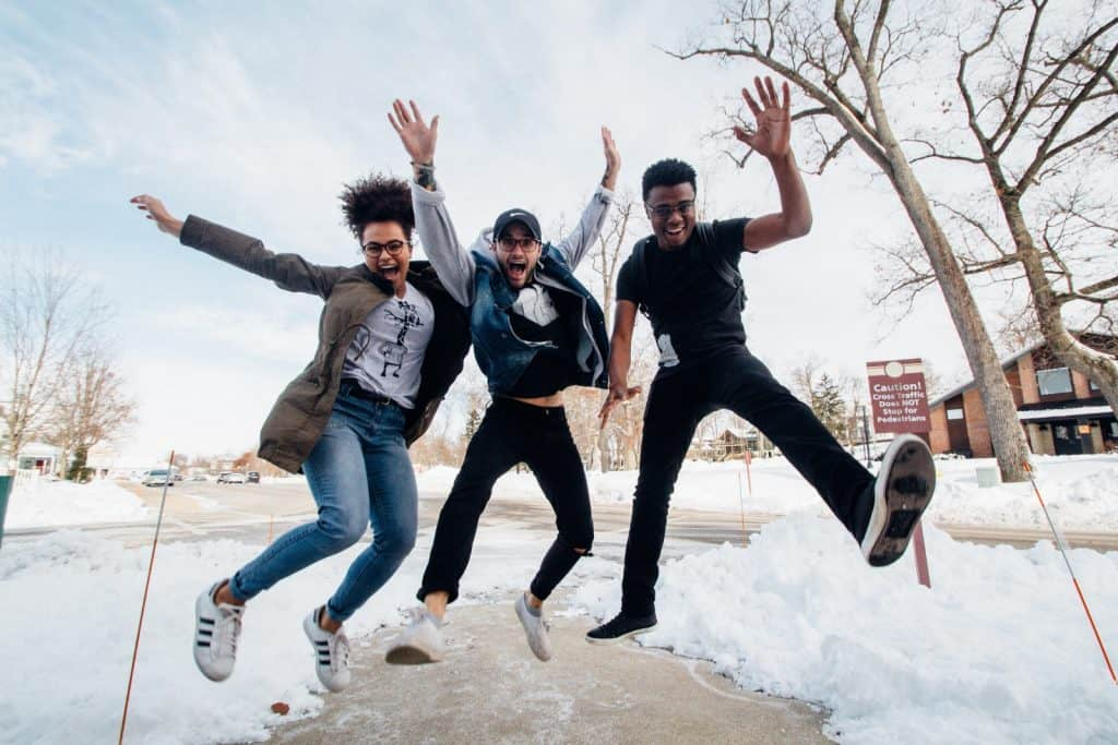 bolsas para fazer ensino médio no Canadá e outros 8 países partiu intercambio