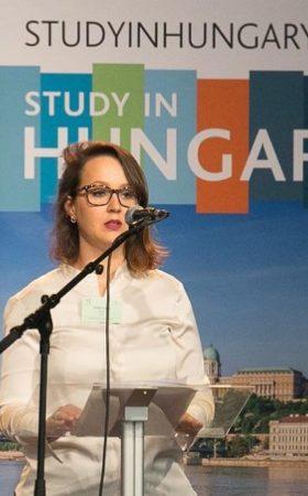 Littieri Machado Lamb na Aula inaugural do Stipendium Hungaricum na Hungria