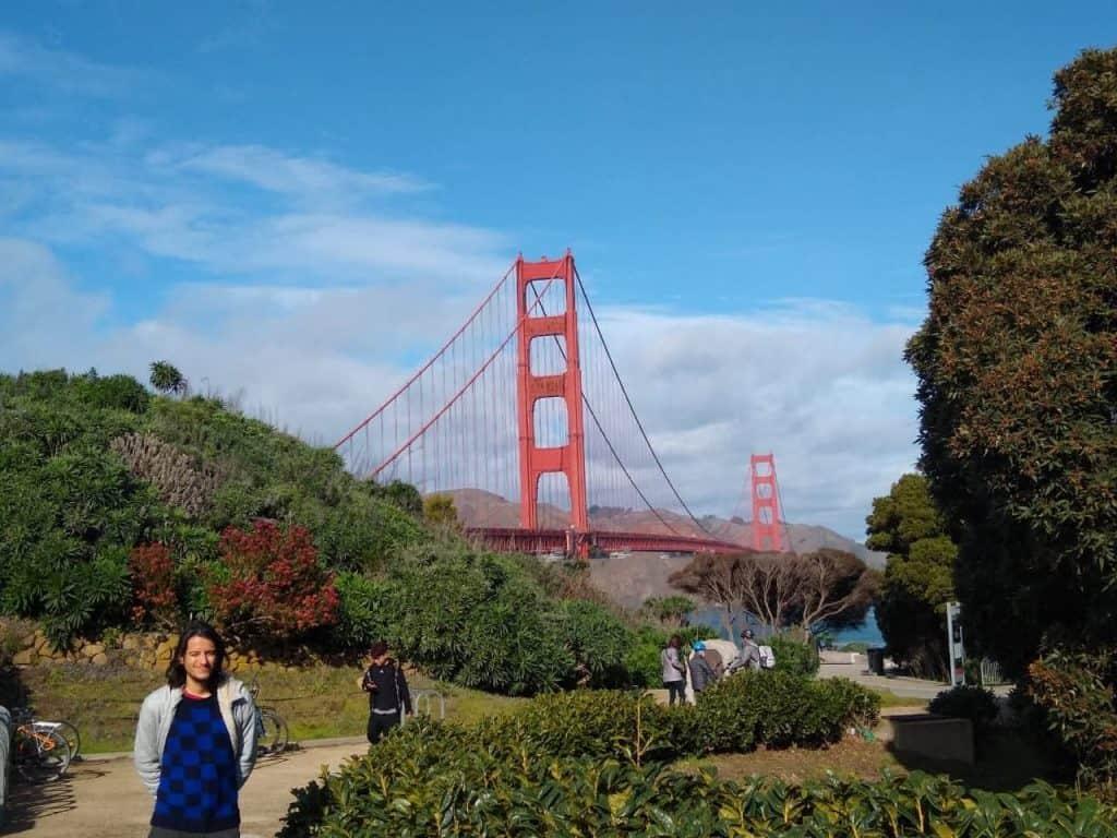João Pedro Amaral, FLTA da Fulbright, em frente ao Golden Gate, na Califórinia