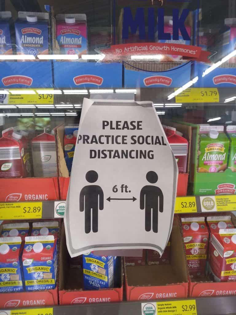 cartaz em supermercado nos estados unidos coronavirus covid 19