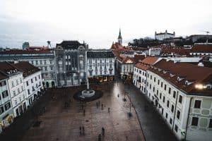 estudar na eslováquia bolsas governo bratislava
