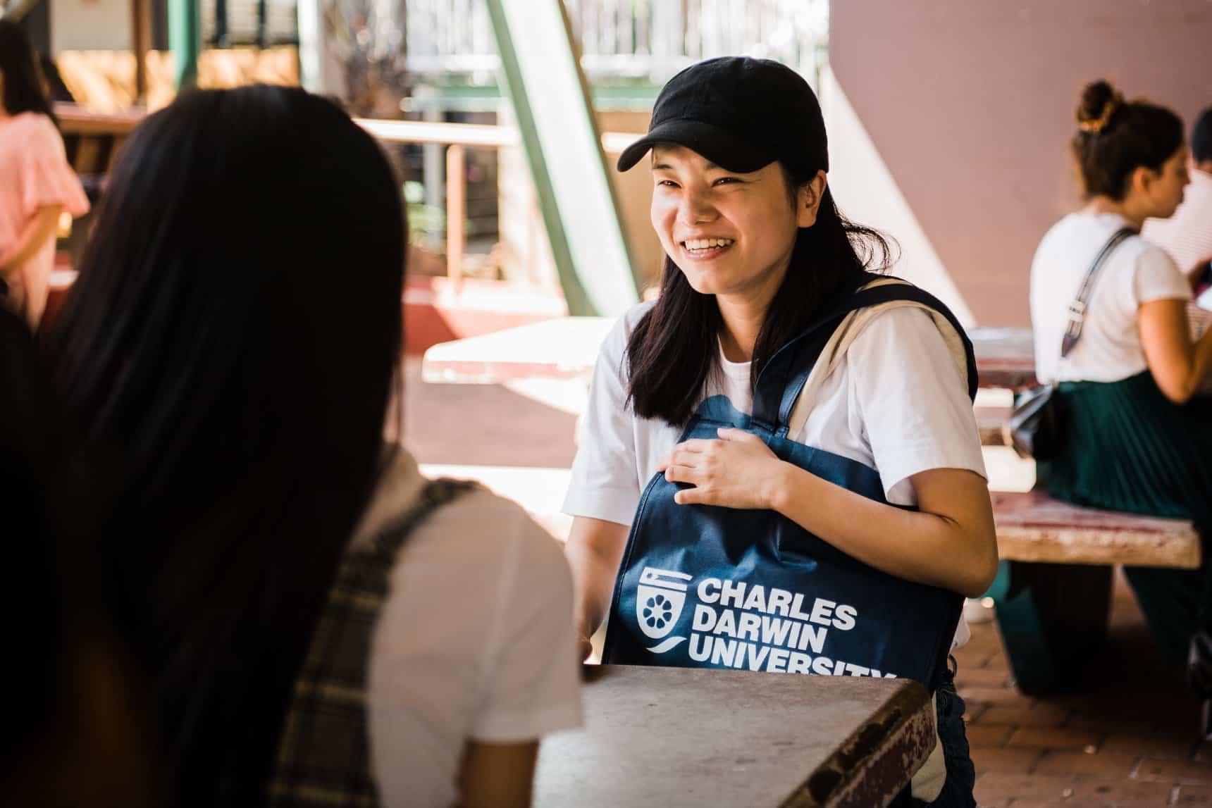 charles darwin university bolsas parciais para estudar na Austrália